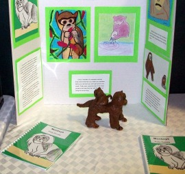 Mimi display with sculpted figures